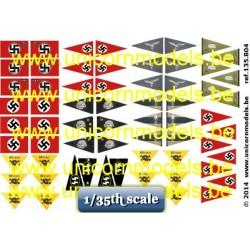 WO 2 Duitse wimpels voor auto's en mijnen