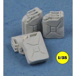 German jerry cans set 1