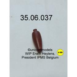 Vaas lang smal, 18 mm hoog.