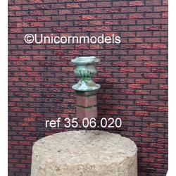 Piedestal with flower pot