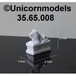 lion on pedestal 27 mm